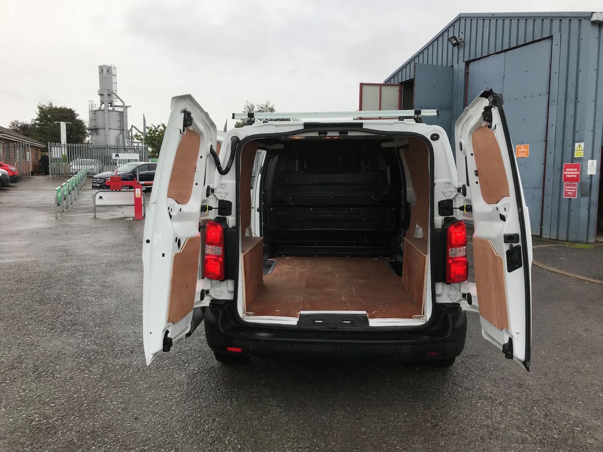 2017 Peugeot Expert 1000 1.6 Bluehdi 95 S Van (NU17EFE) Image 15