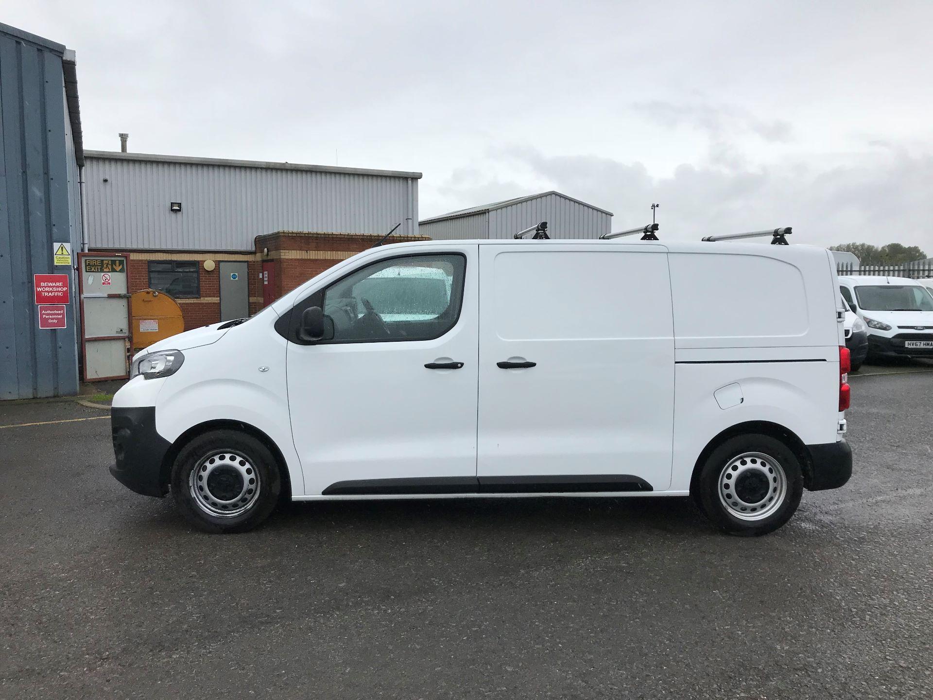 2017 Peugeot Expert 1000 1.6 Bluehdi 95 S Van (NU17EFE) Image 4