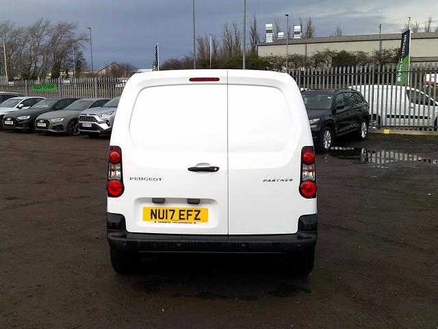 2017 Peugeot Partner 850 1.6 Bluehdi 100 Professional Van [Non Ss] *SPEED RESTRICTED TO 70MPH* (NU17EFZ) Image 9