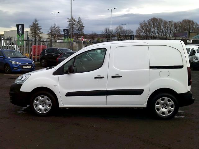 2017 Peugeot Partner 850 1.6 Bluehdi 100 Professional Van [Non Ss] *SPEED RESTRICTED TO 70MPH* (NU17EFZ) Image 4