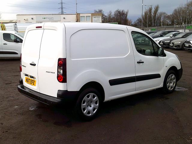2017 Peugeot Partner 850 1.6 Bluehdi 100 Professional Van [Non Ss] *SPEED RESTRICTED TO 70MPH* (NU17EFZ) Image 14