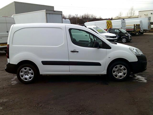 2017 Peugeot Partner 850 1.6 Bluehdi 100 Professional Van [Non Ss] *SPEED RESTRICTED TO 70MPH* (NU17EFZ) Image 15