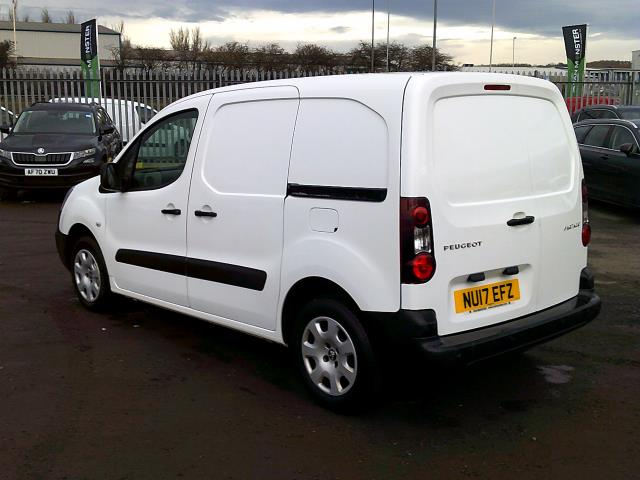 2017 Peugeot Partner 850 1.6 Bluehdi 100 Professional Van [Non Ss] *SPEED RESTRICTED TO 70MPH* (NU17EFZ) Image 8
