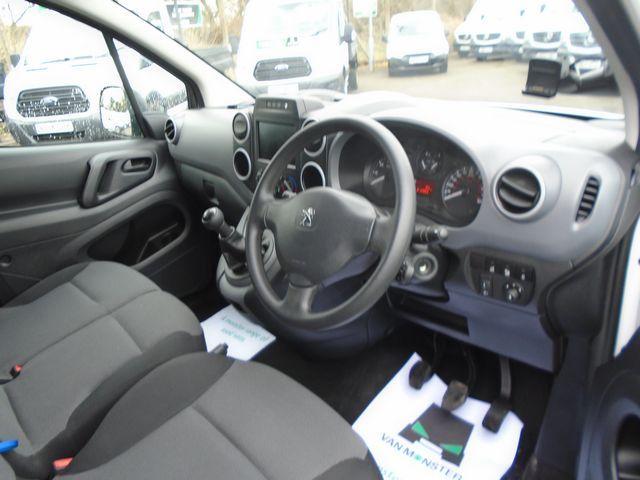 2017 Peugeot Partner L1 850 1.6 BLUEHDI 100 PROFESSIONAL (NON S/S)EURO 6 (NU17ELX) Image 20
