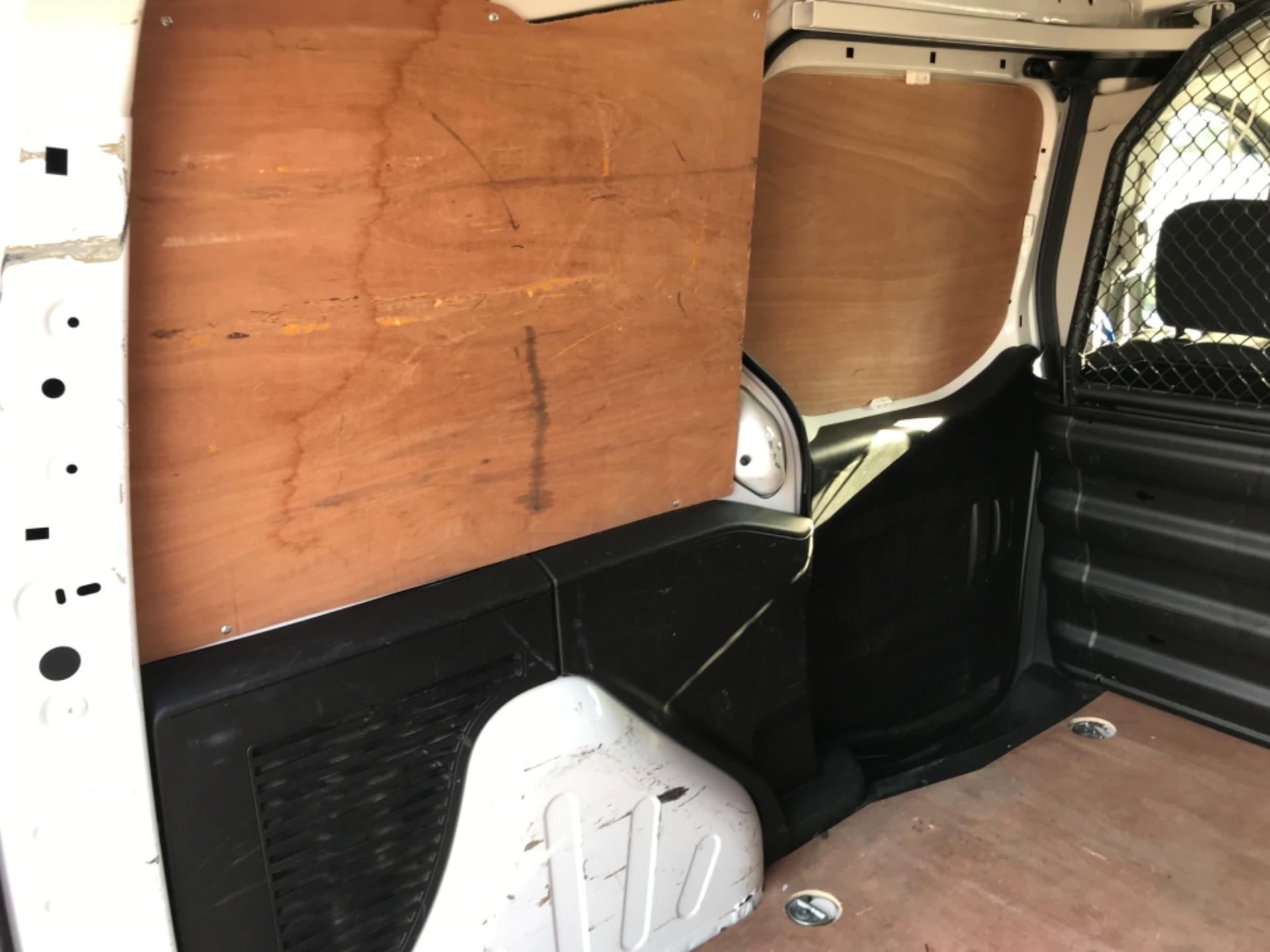 2017 Peugeot Partner 850 1.6 Bluehdi 100 Professional Van EURO 6 (NU17EMX) Image 30