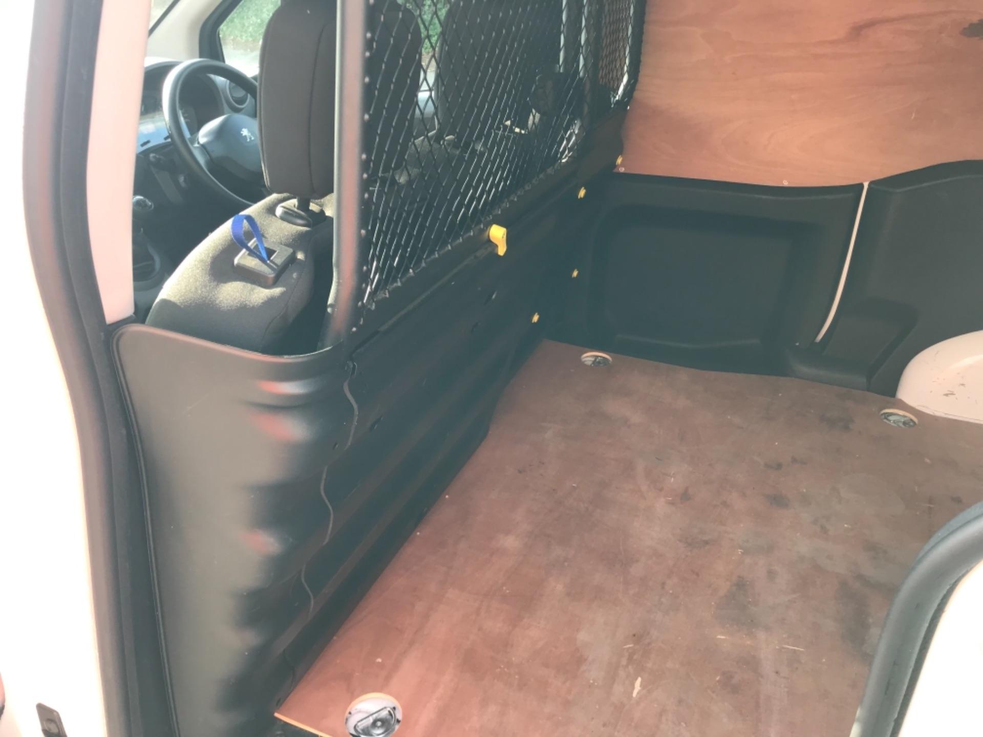 2017 Peugeot Partner 850 1.6 Bluehdi 100 Professional Van EURO 6 (NU17EMX) Image 24
