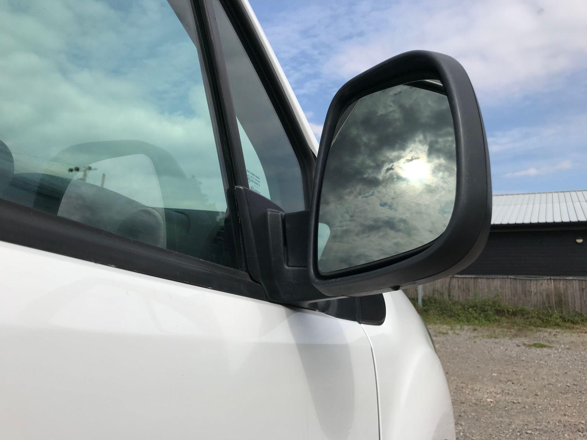2017 Peugeot Partner 715 S 1.6 Bluehdi 100 Crew Van (NU17ENV) Image 13