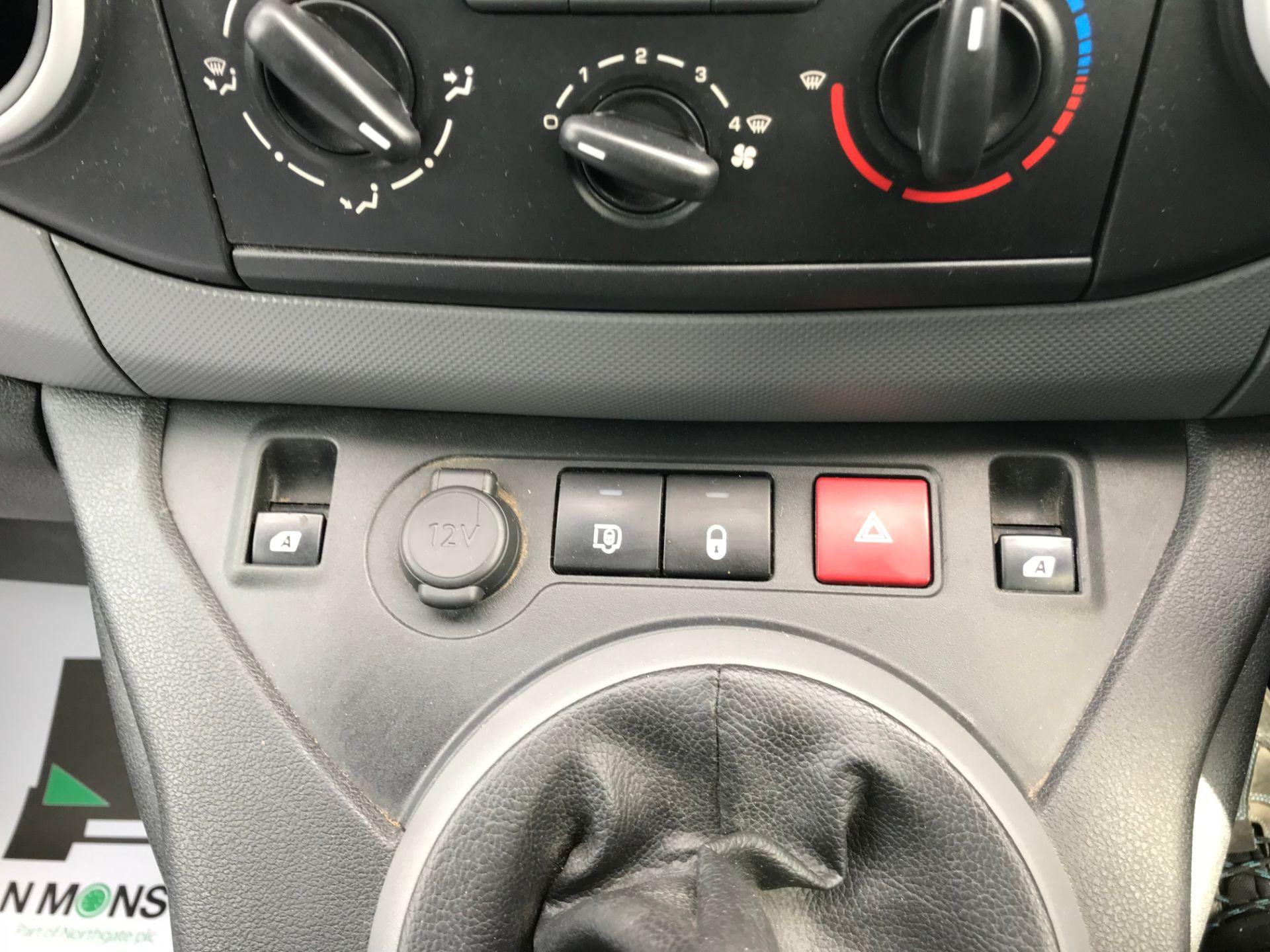 2017 Peugeot Partner 715 S 1.6 Bluehdi 100 Crew Van (NU17ENV) Image 31
