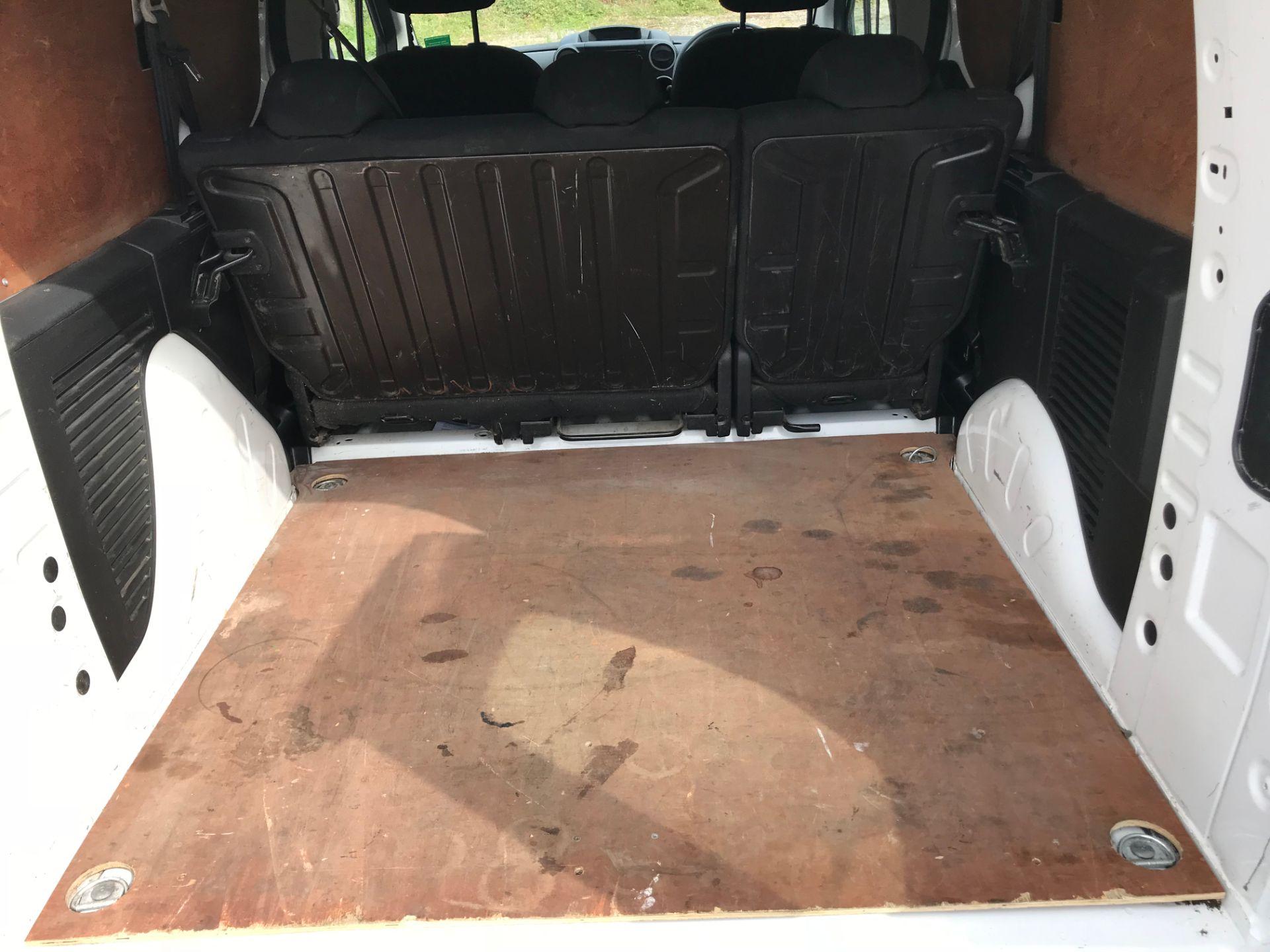 2017 Peugeot Partner 715 S 1.6 Bluehdi 100 Crew Van (NU17ENV) Image 12