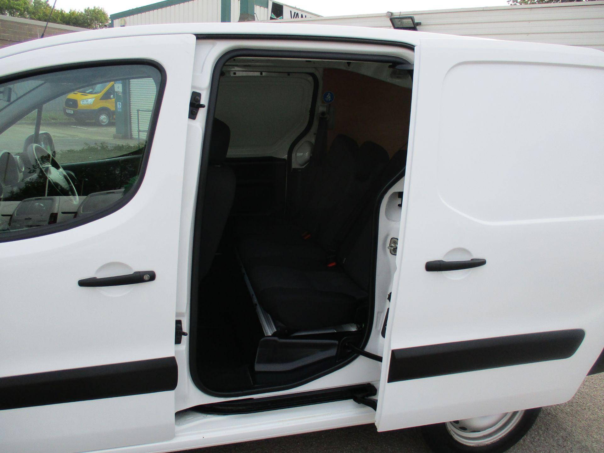 2017 Peugeot Partner 715 S 1.6 Bluehdi 100 Crew Van (NU17GTY) Image 9