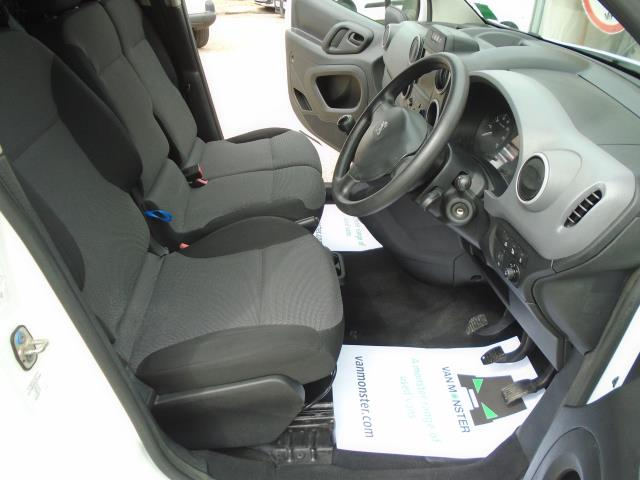 2017 Peugeot Partner 850 1.6 Bluehdi 100 Professional Van [Non Ss] *EURO 6* (NU17GXD) Image 15
