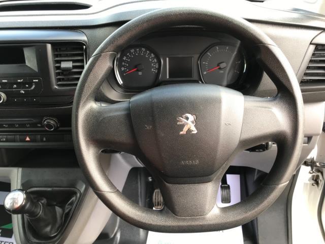 2017 Peugeot Expert 1000 1.6 Bluehdi 95 S Van Euro 6 (NU17HND) Image 17