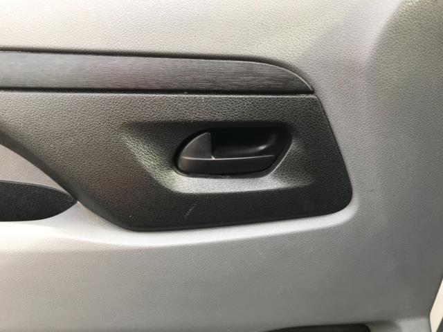 2017 Peugeot Expert 1000 1.6 Bluehdi 95 S Van Euro 6 (NU17HND) Image 31