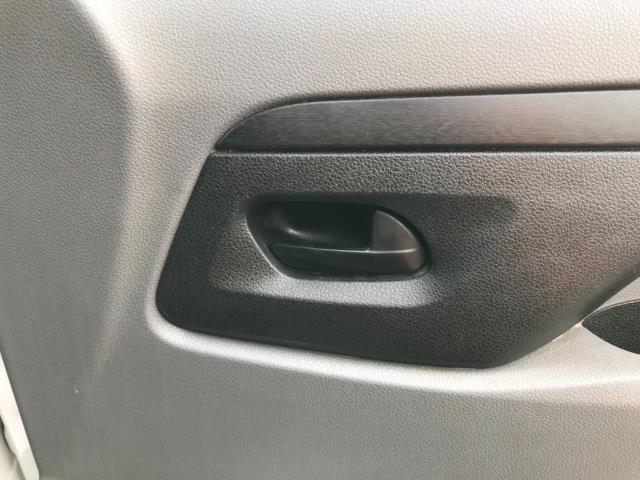 2017 Peugeot Expert 1000 1.6 Bluehdi 95 S Van Euro 6 (NU17HND) Image 16