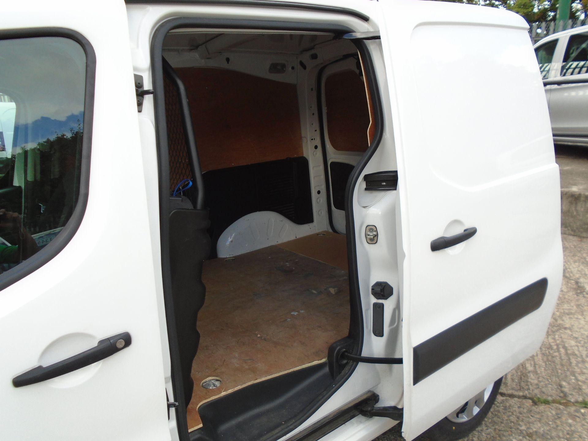 2017 Peugeot Partner 850 1.6 Bluehdi 100 Professional Van [Non Ss] (NU17HPC) Image 7