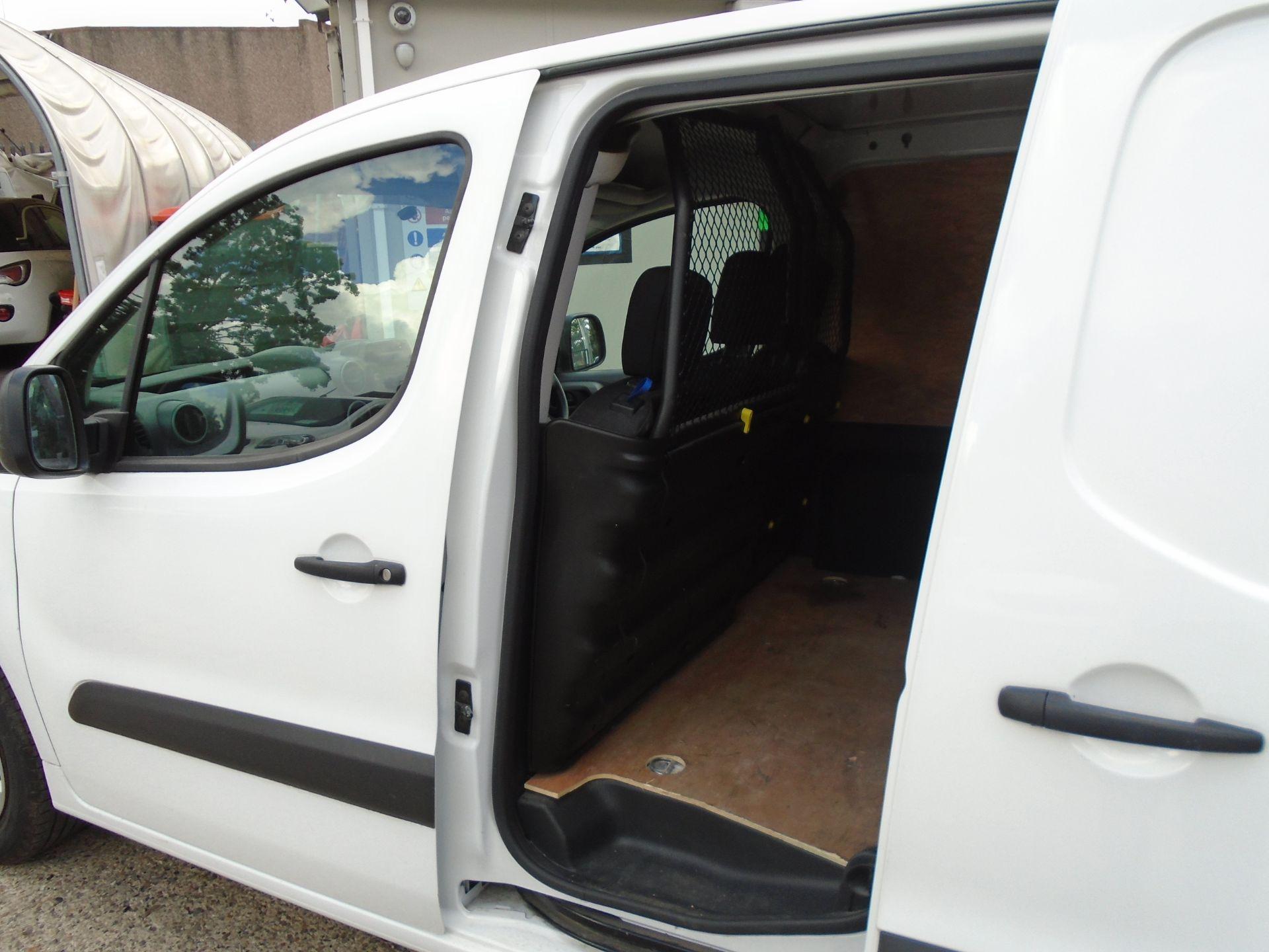 2017 Peugeot Partner 850 1.6 Bluehdi 100 Professional Van [Non Ss] (NU17HPC) Image 9