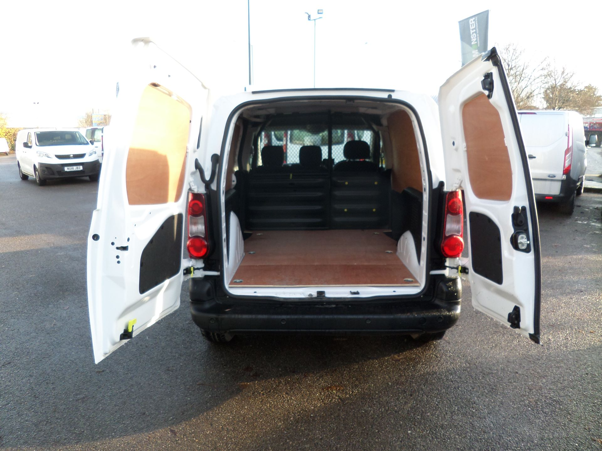 2017 Peugeot Partner 850 1.6 Bluehdi 100 Professional Van [Non Ss] Euuro 6 (NU17HPX) Image 5