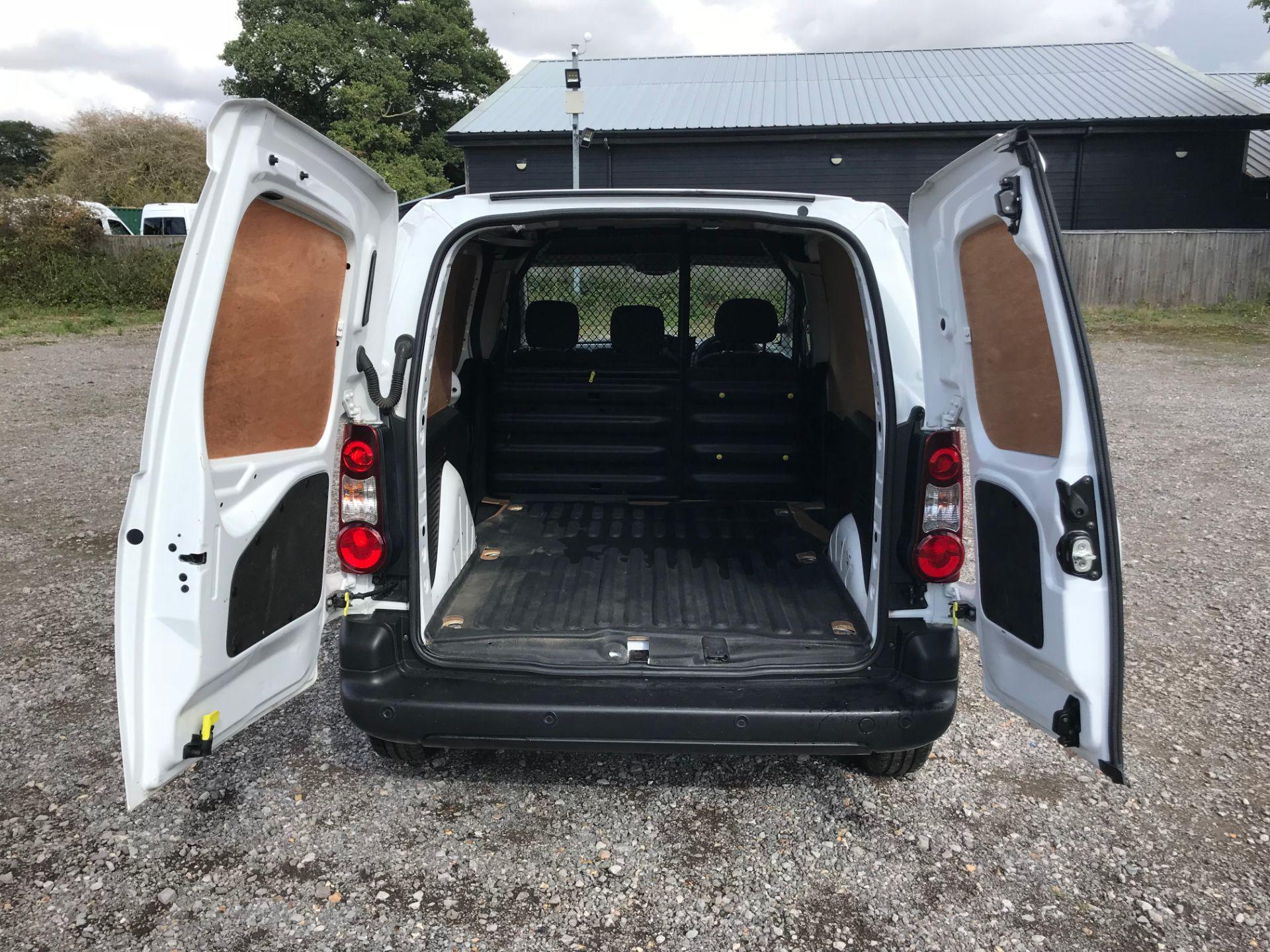 2017 Peugeot Partner 850 1.6 Bluehdi 100 Professional Van [Non Ss] (NU17NBX) Image 11