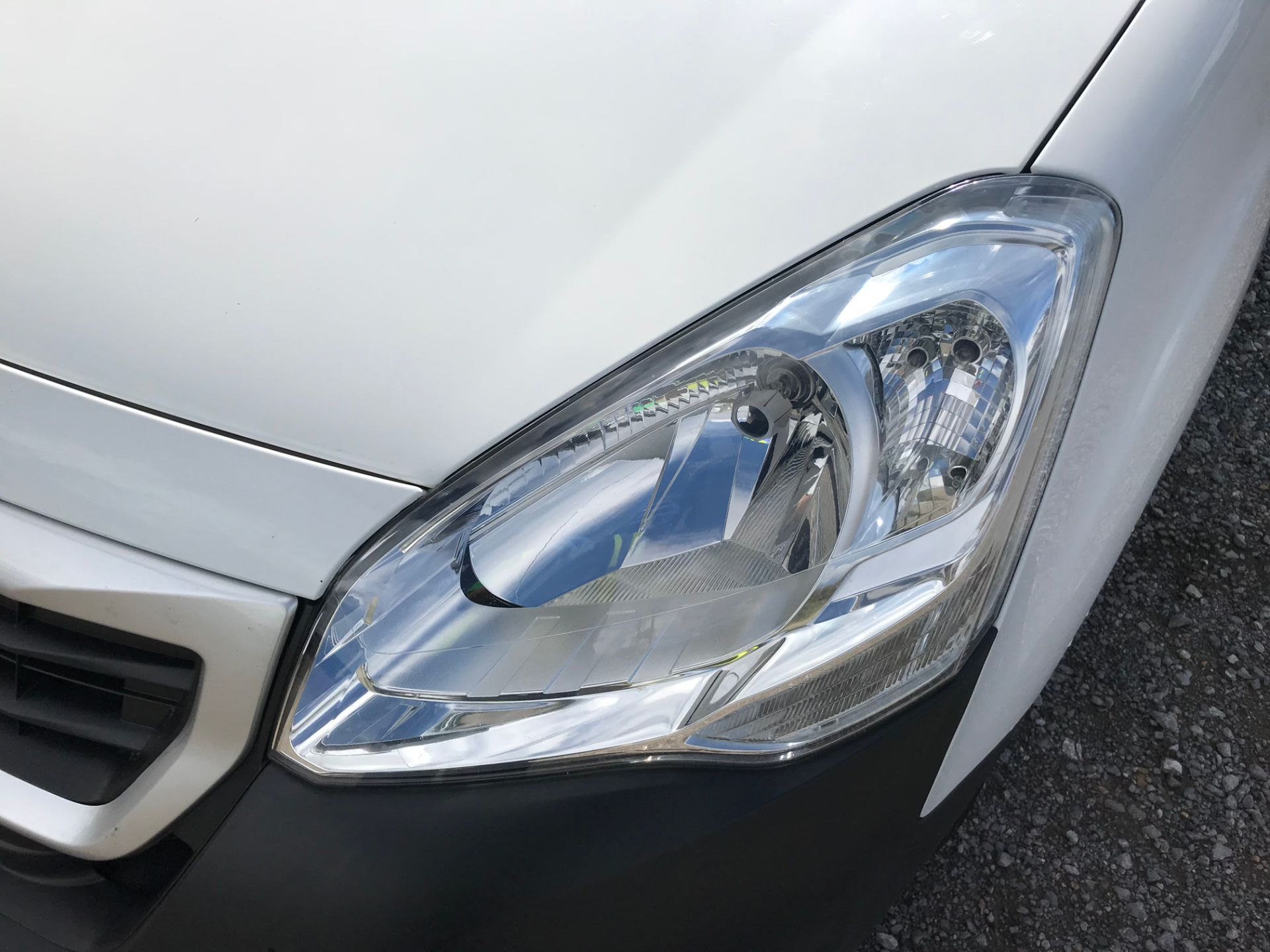 2017 Peugeot Partner 850 1.6 Bluehdi 100 Professional Van [Non Ss] (NU17NBX) Image 19