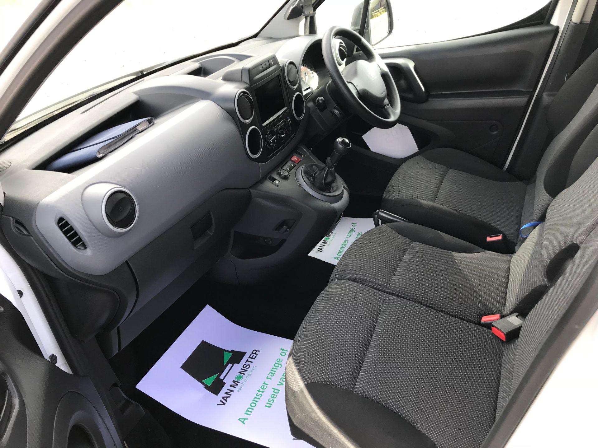 2017 Peugeot Partner 850 1.6 Bluehdi 100 Professional Van [Non Ss] (NU17NBX) Image 22