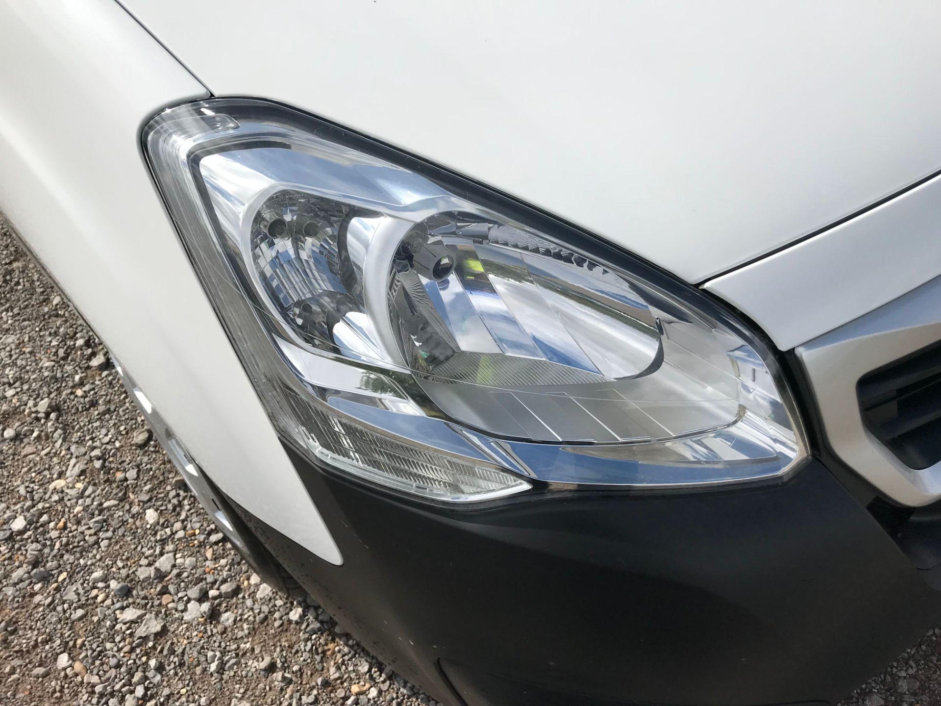 2017 Peugeot Partner 850 1.6 Bluehdi 100 Professional Van [Non Ss] (NU17NBX) Image 18