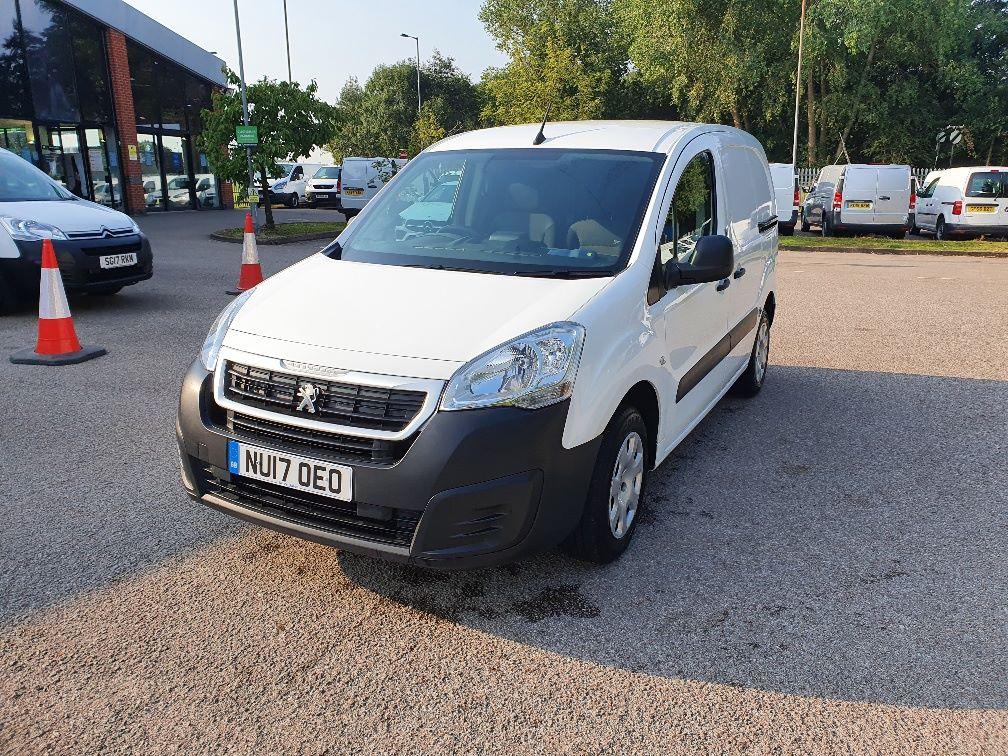 2017 Peugeot Partner 850 1.6 Bluehdi 100 Professional Van [Non Ss] (NU17OEO) Image 3