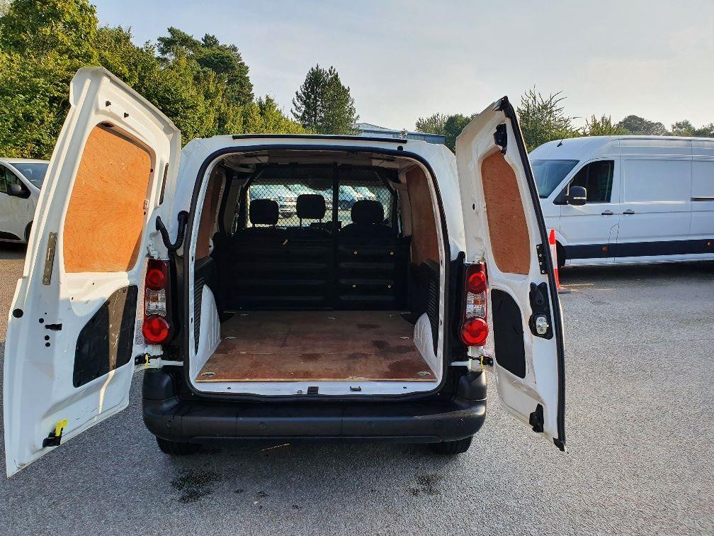 2017 Peugeot Partner 850 1.6 Bluehdi 100 Professional Van [Non Ss] (NU17OEO) Image 11