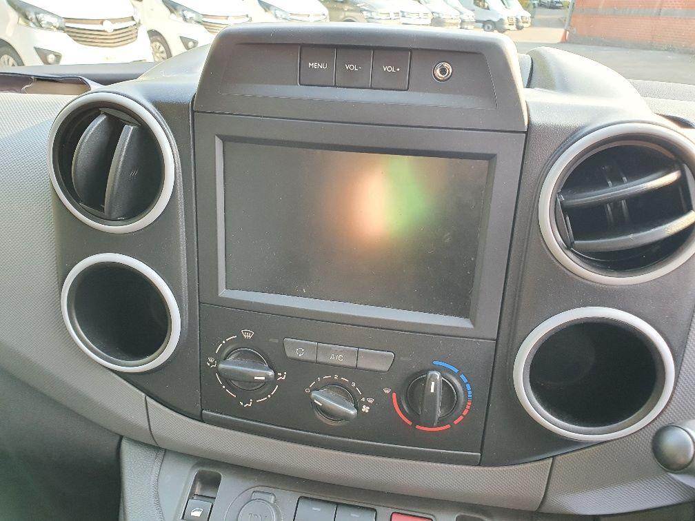 2017 Peugeot Partner 850 1.6 Bluehdi 100 Professional Van [Non Ss] (NU17OEO) Image 6