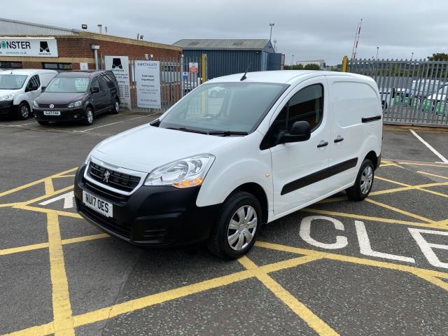 2017 Peugeot Partner 850 1.6 Bluehdi 100 Professional Van [Non Ss] (NU17OES) Image 3