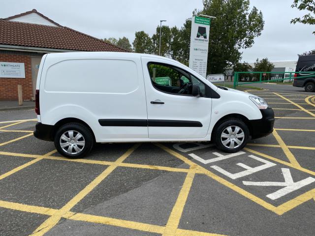 2017 Peugeot Partner 850 1.6 Bluehdi 100 Professional Van [Non Ss] (NU17OES) Image 8