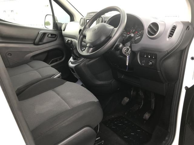2017 Peugeot Partner L1 850 1.6BLUEHDI 100PS PROFESSIONAL EURO 6 (NU17OFR) Image 18