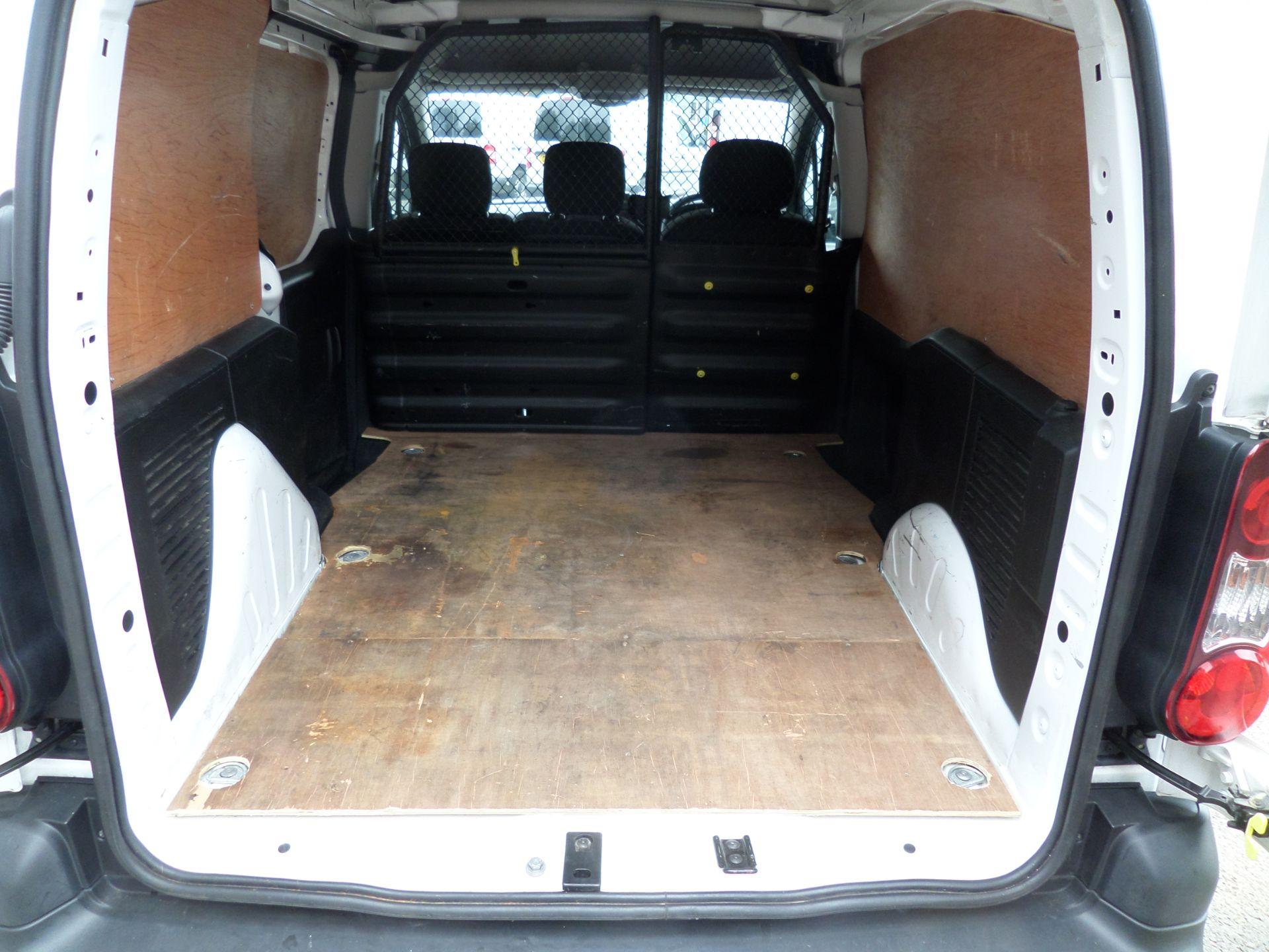 2017 Peugeot Partner 850 1.6 Bluehdi 100 Professional Van [Non Ss] Euro 6 (NU17OFX) Image 5