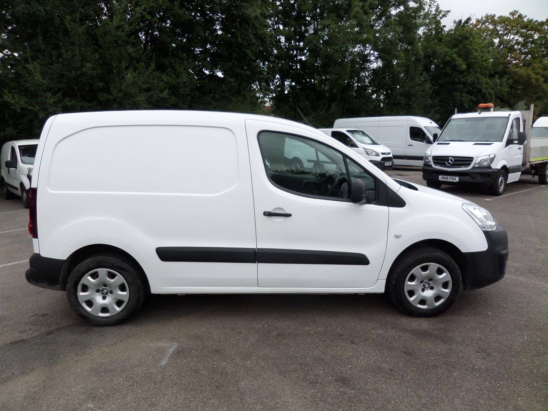 2017 Peugeot Partner 850 1.6 Bluehdi 100 Professional Van [Non Ss] Euro 6 (NU17OFX) Image 2