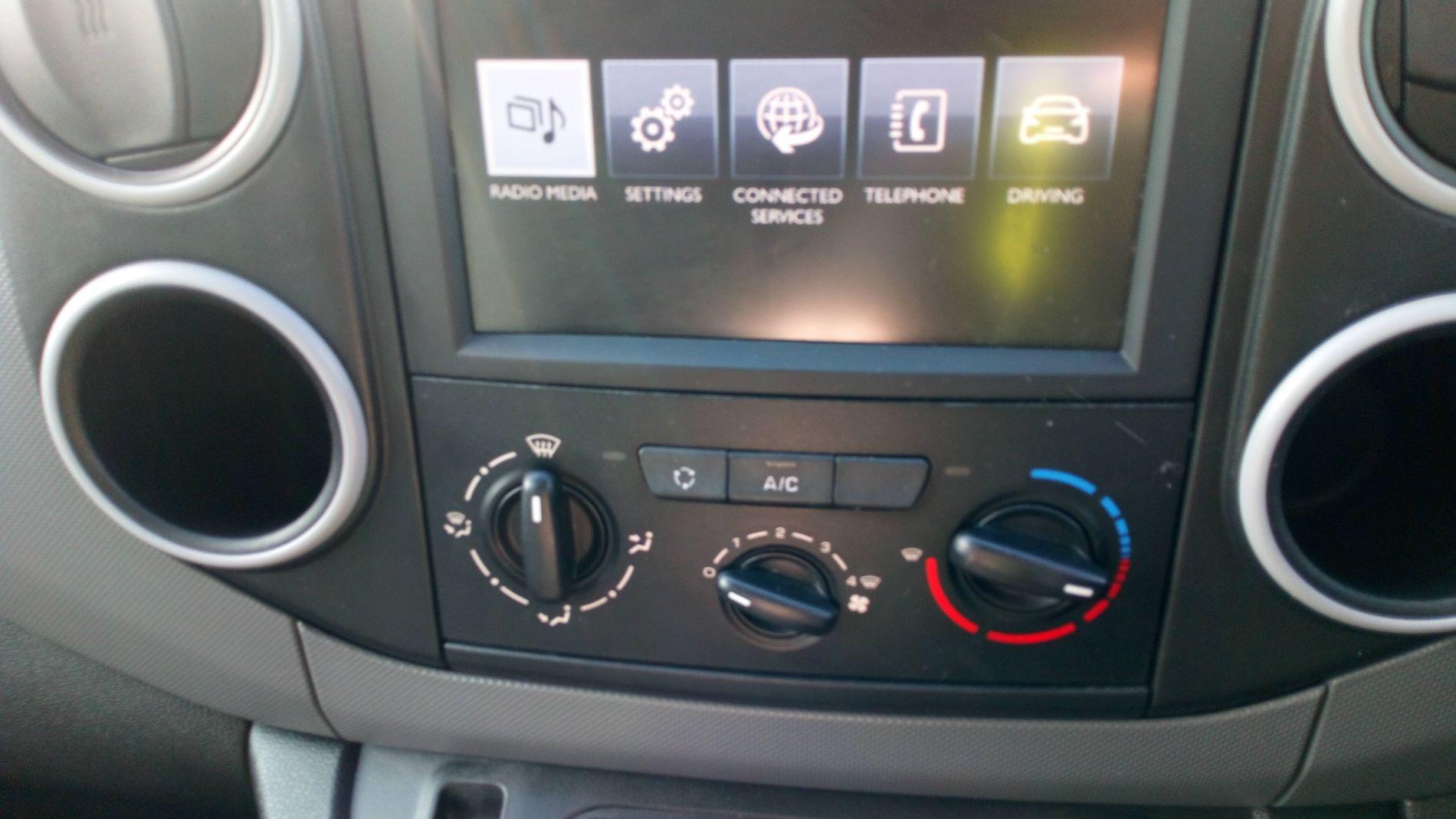 2017 Peugeot Partner 850 S 1.6 Bluehdi 100 Van [Sld] (NU17OJC) Image 14
