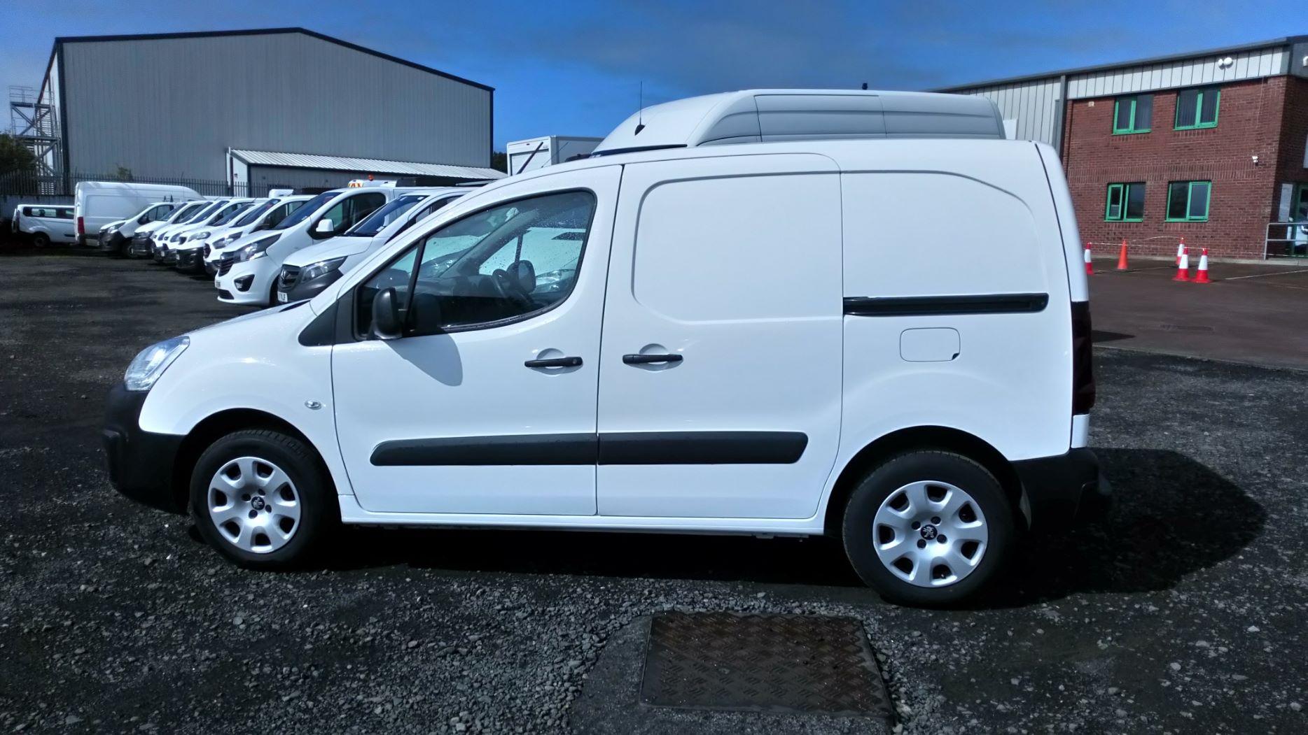 2017 Peugeot Partner 850 S 1.6 Bluehdi 100 Van [Sld] (NU17OJC) Image 7