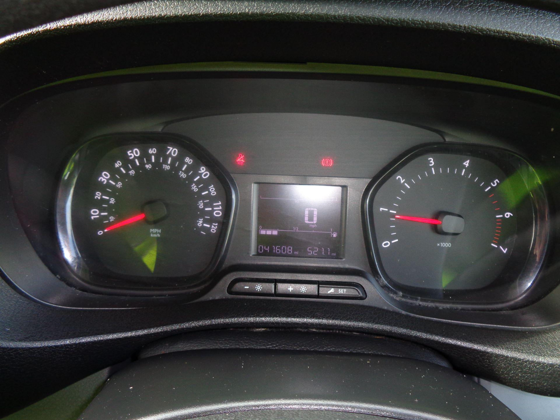 2017 Peugeot Expert  STANDARD 1000 1.6 BLUEHDI 95 S EURO 6 (NU17VPR) Image 19