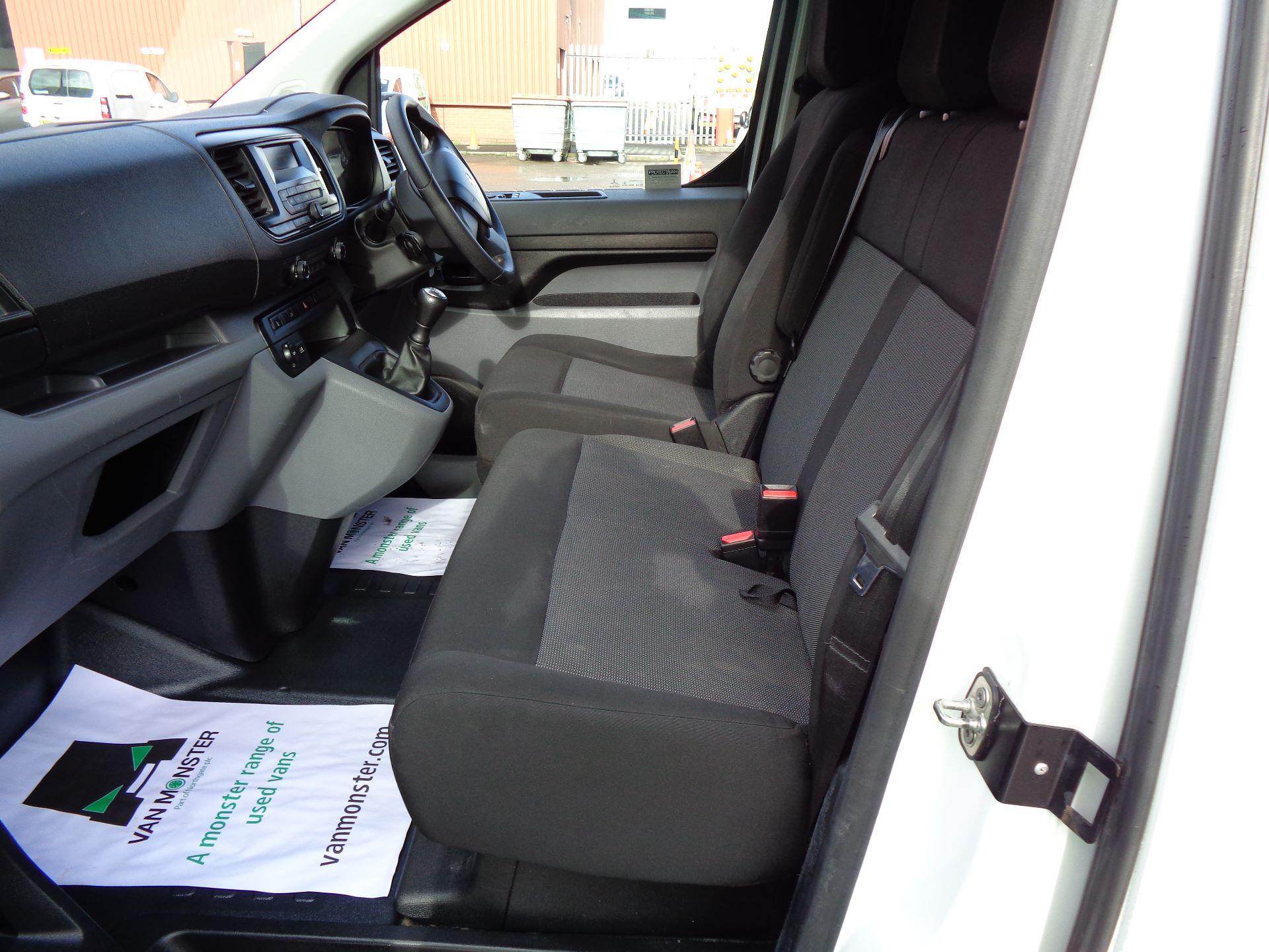 2017 Peugeot Expert  STANDARD 1000 1.6 BLUEHDI 95 S EURO 6 (NU17VPR) Image 15