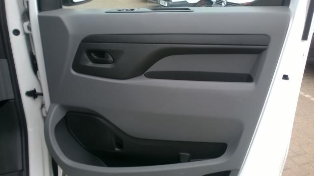 2017 Peugeot Expert STANDARD 1000 1.6 BLUEHDI 95 S EURO 6 (NU17VYT) Image 17