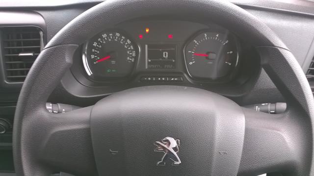 2017 Peugeot Expert STANDARD 1000 1.6 BLUEHDI 95 S EURO 6 (NU17VYT) Image 23