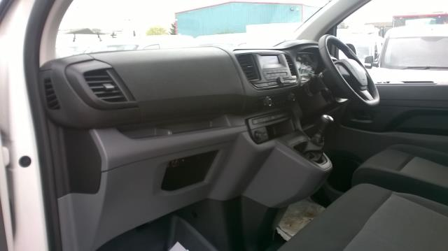 2017 Peugeot Expert STANDARD 1000 1.6 BLUEHDI 95 S EURO 6 (NU17VYT) Image 6