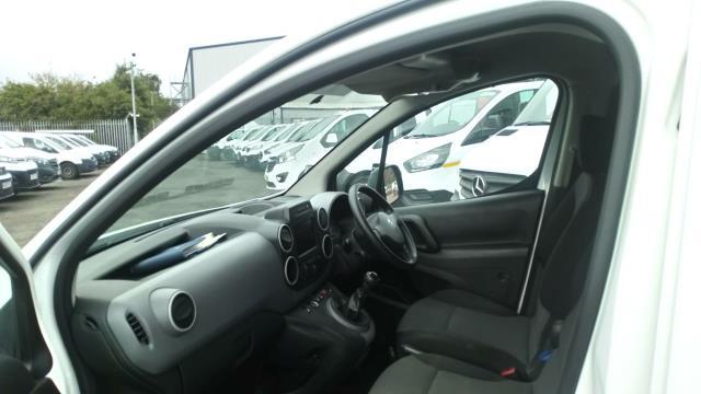 2017 Peugeot Partner 850 1.6 Bluehdi 100 Professional Van [Non Ss] (NU17XLL) Image 12