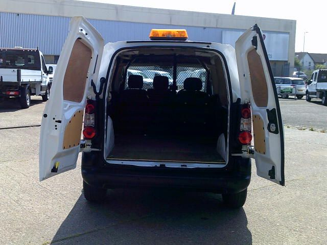 2017 Peugeot Partner 850 1.6 Bluehdi 100 Professional Van [Non Ss] (NU17ZKE) Image 21