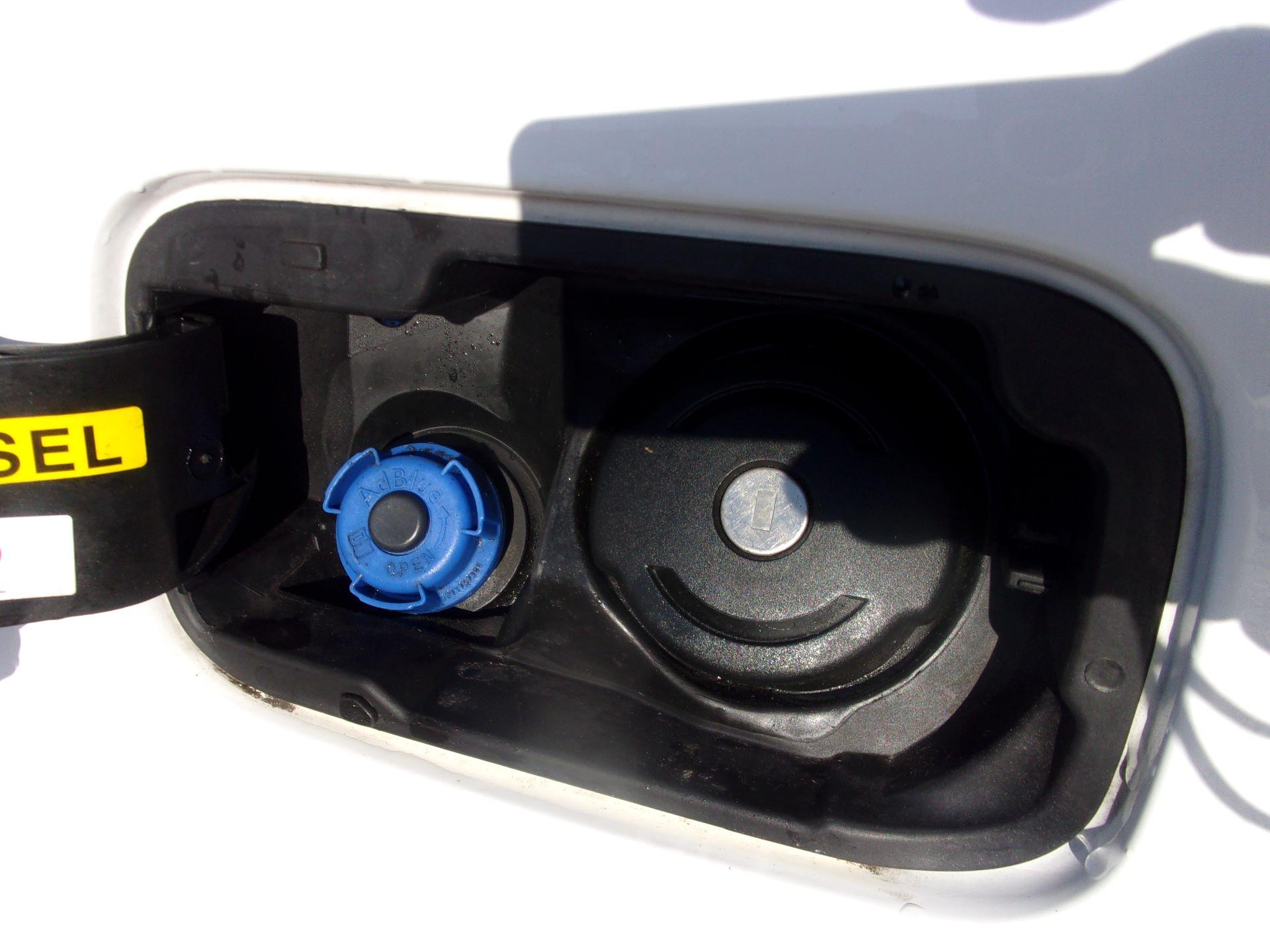 2017 Peugeot Partner 850 1.6 Bluehdi 100 Professional Van [Non Ss] (NU17ZPL) Image 23