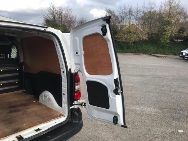 2017 Peugeot Partner 850 1.6 Bluehdi 100 Professional Van [Non Ss] Euro 6 (NU17ZPN) Image 37