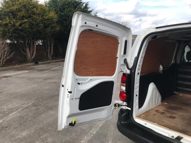 2017 Peugeot Partner 850 1.6 Bluehdi 100 Professional Van [Non Ss] Euro 6 (NU17ZPN) Image 36