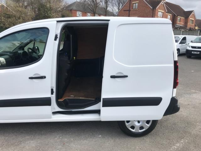 2017 Peugeot Partner 850 1.6 Bluehdi 100 Professional Van [Non Ss] Euro 6 (NU17ZPN) Image 30