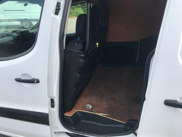 2017 Peugeot Partner 850 1.6 Bluehdi 100 Professional Van [Non Ss] Euro 6 (NU17ZPN) Image 28