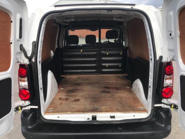 2017 Peugeot Partner 850 1.6 Bluehdi 100 Professional Van [Non Ss] Euro 6 (NU17ZPN) Image 32