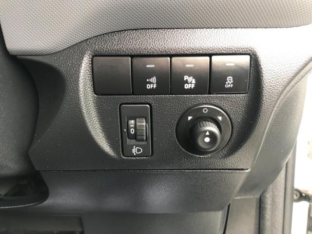 2017 Peugeot Partner 850 1.6 Bluehdi 100 Professional Van [Non Ss] Euro 6 (NU17ZPN) Image 19