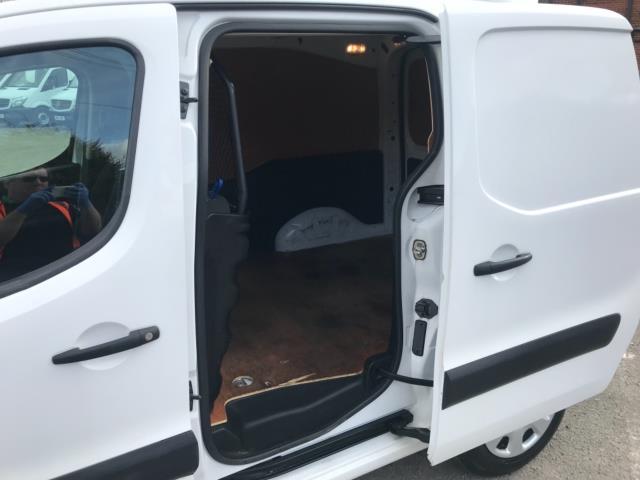 2017 Peugeot Partner 850 1.6 Bluehdi 100 Professional Van [Non Ss] Euro 6 (NU17ZPN) Image 29